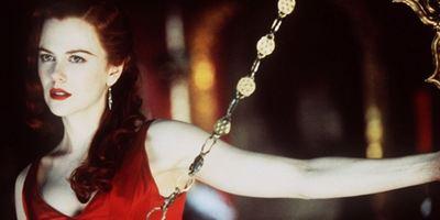 Beyaz Perdenin 10 İkonik Kırmızı Elbisesi!
