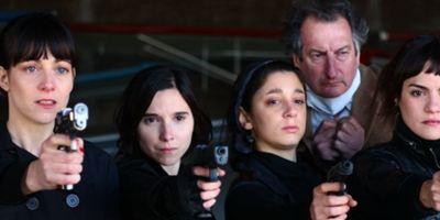"""Buenos Aires Film Festivali'nin Kazananı 14 Saatlik """"La Flor"""" Oldu!"""