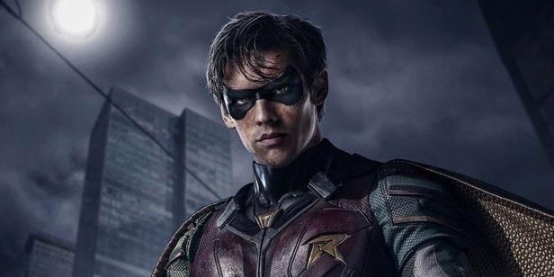 İddialı DC Dizisi 'Titans'tan İlk Klip Yayınlandı