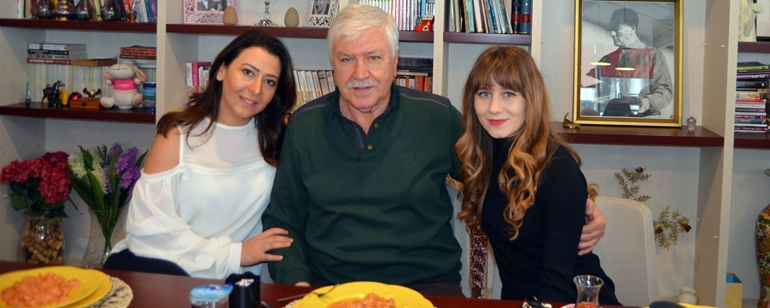 Dostları Doğum Gününde Mahmut Cevher'i Yalnız Bırakmadı!