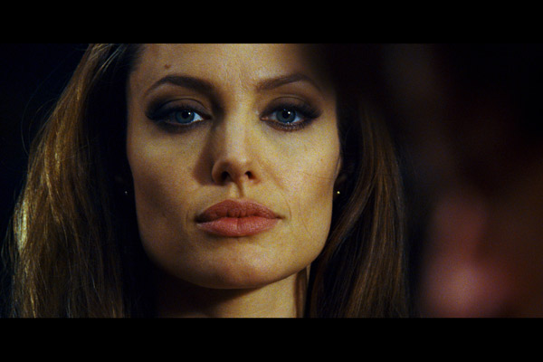 Wanted : Fotograf Angelina Jolie