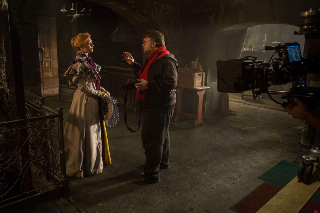 Kizil Tepe : Fotograf Guillermo del Toro, Mia Wasikowska