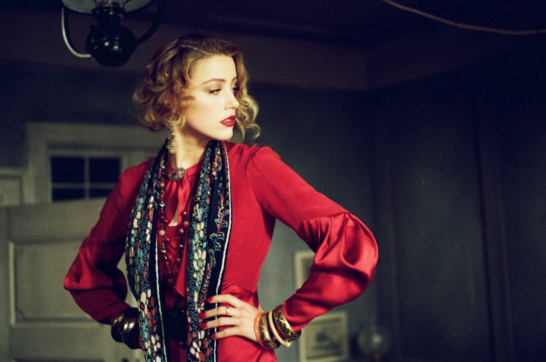 Danimarkali Kiz : Fotograf Amber Heard