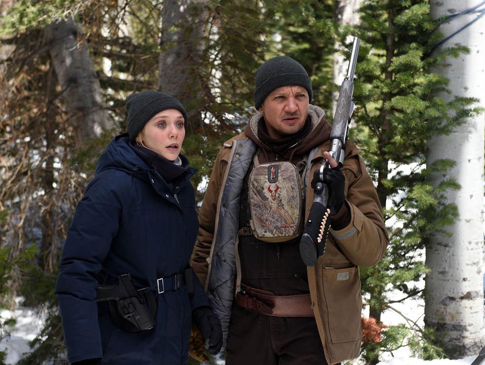 Kardaki Izler : Fotograf Elizabeth Olsen, Jeremy Renner
