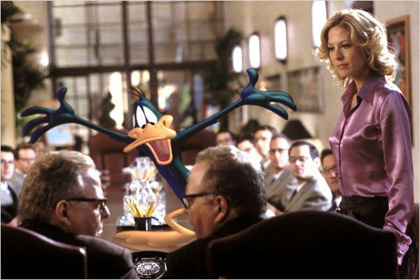 Looney Tunes: Maceraya Devam : Fotograf Jenna Elfman