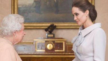 Angelina Jolie'ye Şövalyelik Verildi!