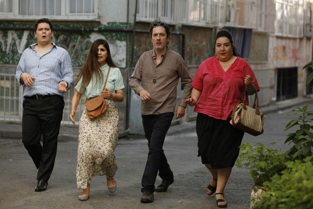 Deliha : Fotograf Cenk Durmazel, Hülya Duyar, Korhan Herduran, Zeynep Çamci
