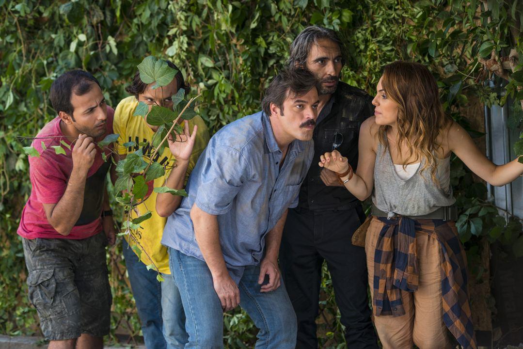 Genis Aile: Yapistir! : Fotograf Ahmet Sarsilmaz, Bülent Çolak, Firat Tanis, Ufuk Özkan, Yagmur Tanrisevsin