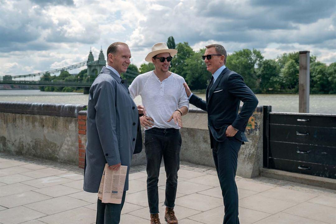 Ölmek Için Zaman Yok : Fotograf Cary Joji Fukunaga, Daniel Craig, Ralph Fiennes